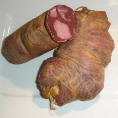 Gutsfleischwurst mit feinen Schinkenwürfeln und Majoran