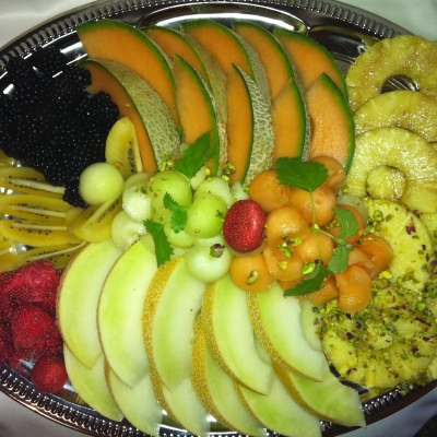 Obstplatte mit frischer Melone